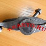 5271539 (5267687) Коромысло выпускного клапана (SF 2.8) в сборе